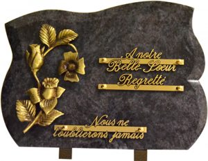 Plaque funéraire chanfreinée bouquet de fleurs