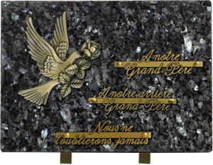plaque funéraire rectangulaire motif colombe